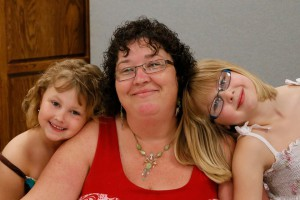 Dawn Wiseman with her daughters Sarah (left) and Makayla – by Bob Frei